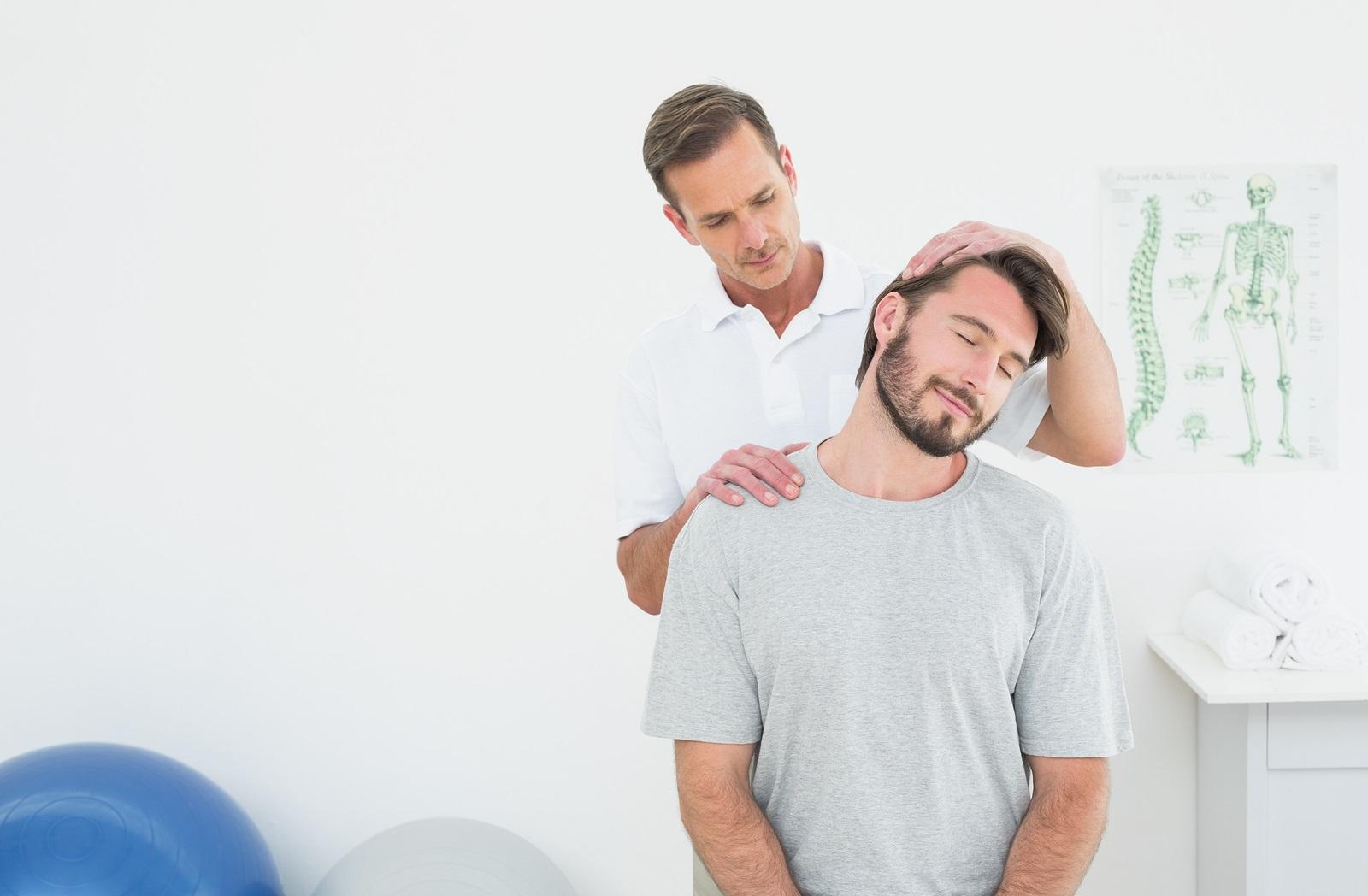 neck_chiropractor_home